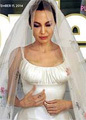 Дети Анджелины Джоли стали дизайнерами её платья
