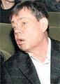 Врачи снова запретили Караченцову пить