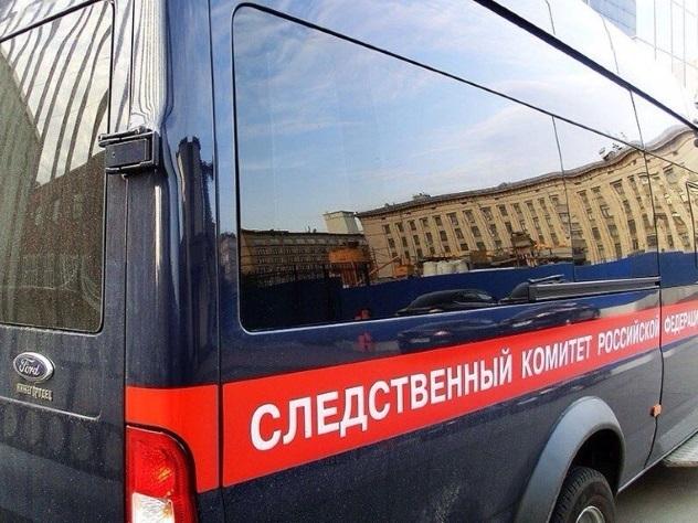 Пофакту падения мужчины изокна многоэтажки в столице России проводится проверка