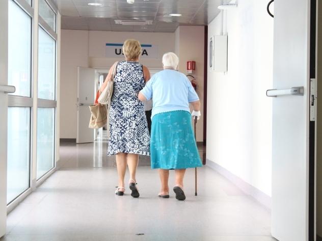ВСША идет эпидемия изнасилований стариков вдомах престарелых