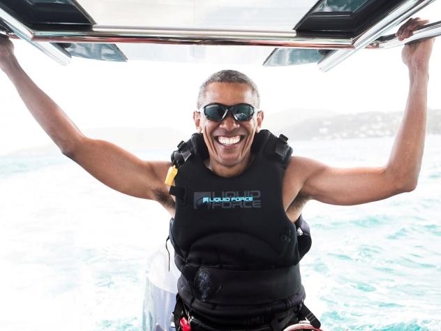 Мемуары Обамы продадут за $60 млн
