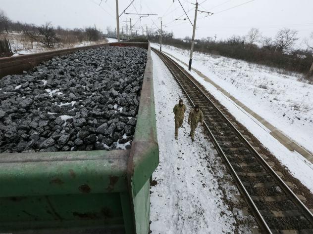 ДНР иЛНР перевели украинские учреждения под внешнее управление— Донбасс