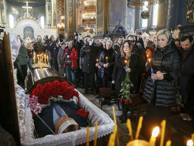 Вороненкова похоронили на кладбище криминальных авторитетов и семьи Порошенко