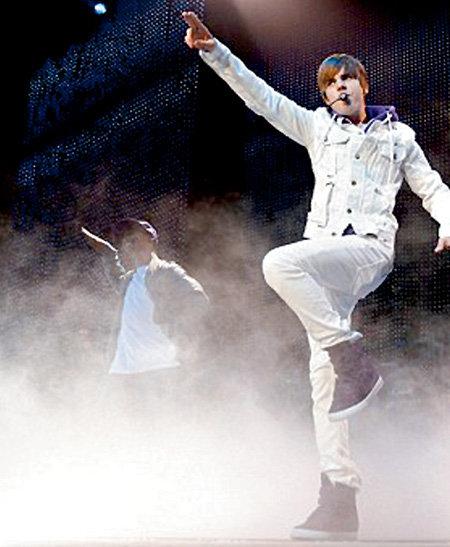 На концерте в Лос-Анджелесе БИБЕР показал, к чему надо стремиться