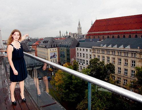 Приезжая в Мюнхен, актриса обязательно гуляет по исторической части города