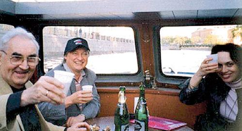 В Санкт-Петербурге Анатолий КАРПОВ всегда катается с ТАЙМАНОВЫМИ по каналам