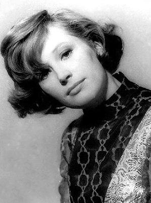 На заре своей карьеры певица отличалась скромностью