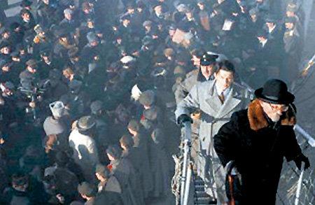 Отличие двух волн эмиграции в том, что во время Гражданской войны из России уезжали не по соей воле