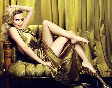 В жизни Скарлетт ЙОХАНССОН совсем не похожа на свой роскошный образ из рекламы Moët&Chandon