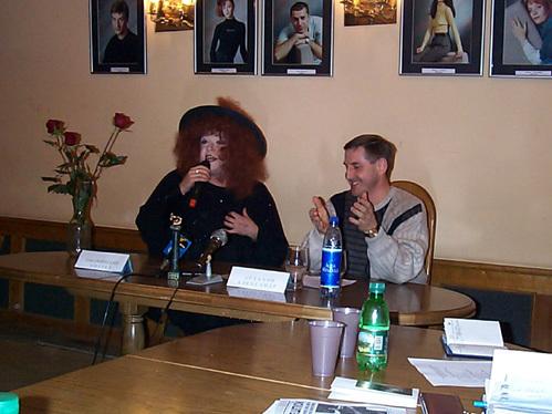 Андрей РЯБУШИНСКИЙ со своим первым директором Александром АСТАХОВЫМ