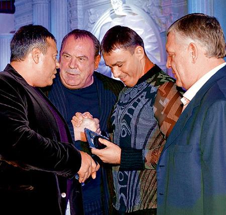 «Иванушка» Кирилл АНДРЕЕВ быстро нашёл общий язык с реальными пацанами