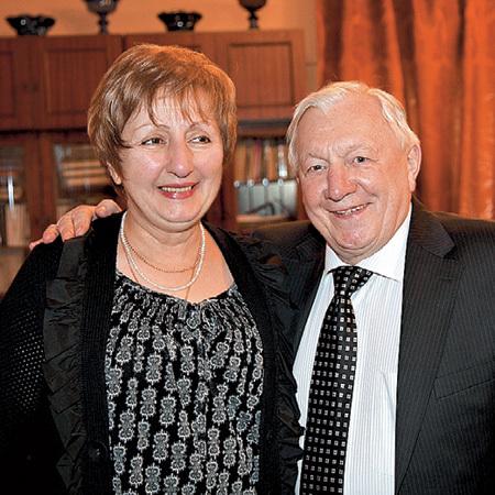 Лиана Зурабовна для мужа еще и личный доктор
