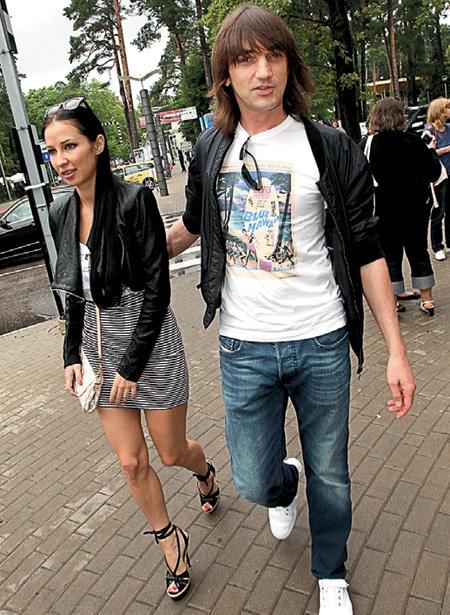 Николай ТИМОФЕЕВ из «Дискотеки «Авария» прогуливался по Юрмале с любовницей