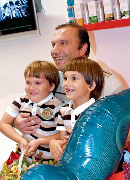 БАТУРИН с сыновьями Николаем и Андреем