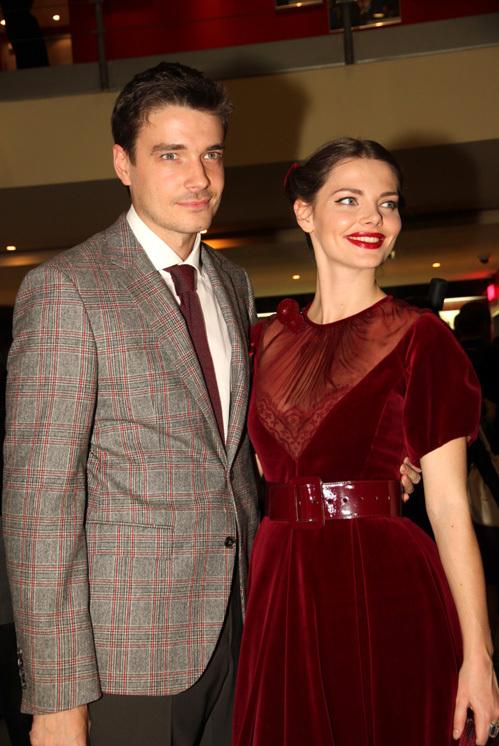 Лиза БОЯРСКАЯ и Максим МАТВЕЕВ на премьере фильма «Пять невест»