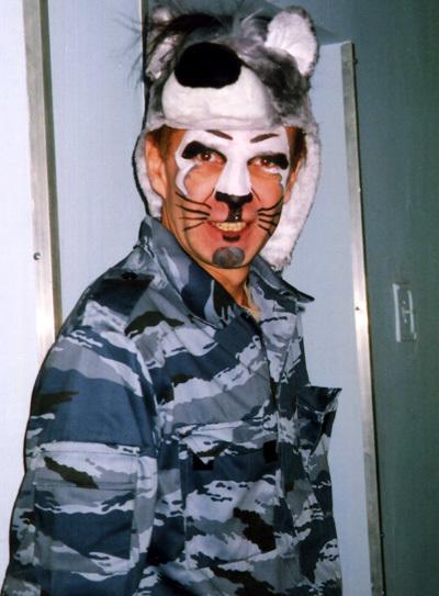 В 90-е актёр подрабатывал играя в сказках