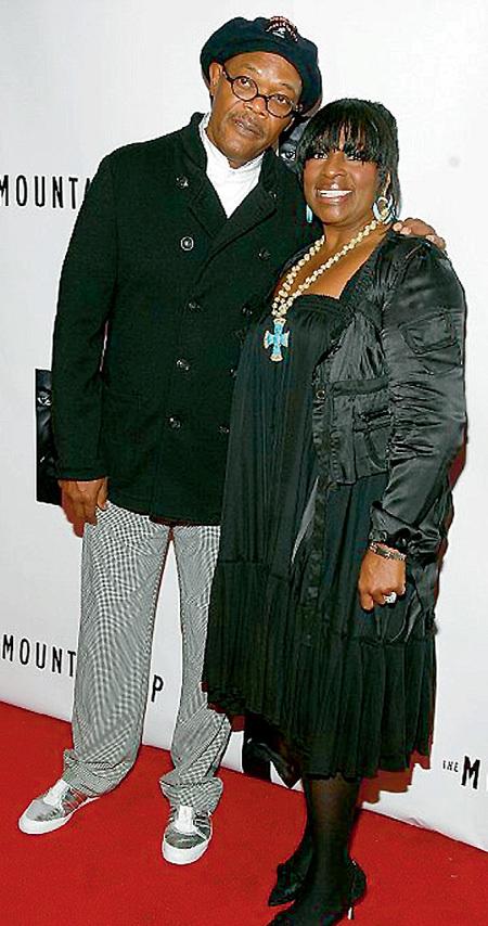 Сэмюэль Л. ДЖЕКСОН попал в Книгу рекордов Гиннесса как самый прибыльный актёр и разделил радость с женой ЛаТаньей