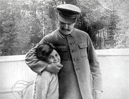 Светлана с отцом Иосифом Сталиным