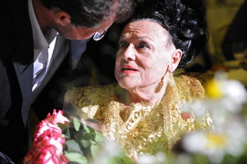 Людмила ЗЫКИНА очень любила драгоценности. Фото РИА