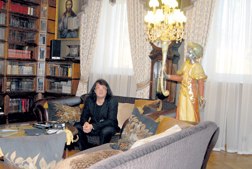 Самой любимой комнатой Игорь КОРНЕЛЮК считает библиотеку