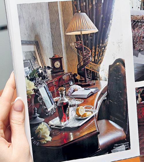 В кабинете Максима всегда стоит коньячок и тарелочка с ломтиками лимона - для вдохновения