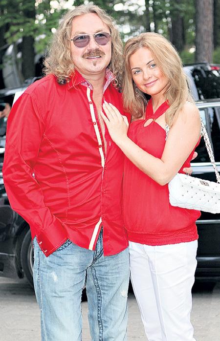 Супруга Игоря Юлия ПРОСКУРЯКОВА закрывает глаза на интрижки мужа