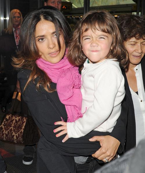 Сальма ХАЙЕК с дочерью Валентиной.