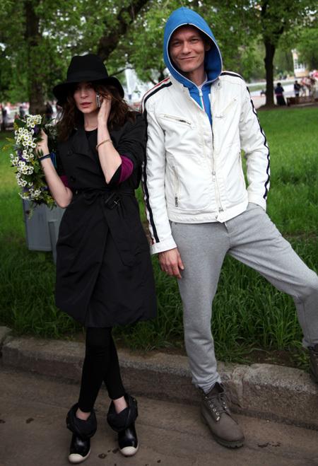 Оксана ФАНДЕРА пришла на субботник вместе с супругом Филиппом ЯНКОВСКИМ (фото Ларисы КУДРЯВЦЕВОЙ)