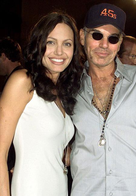 Во время своего сумасшедшего романа Анджелина и Билли обменивались кровью и делали тату в честь друг друга