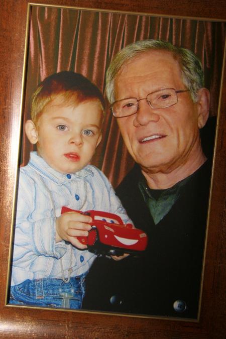 Михаил ЖИГАЛОВ с внуком