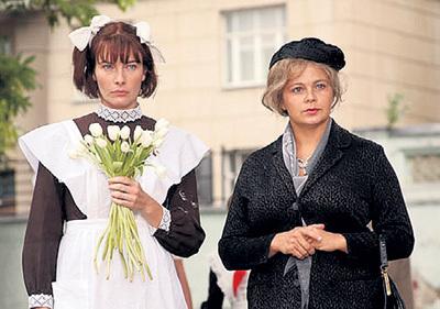 Такими актрисы Олеся ПОТАШИНСКАЯ и Ирина ПЕГОВА изобразили в сериале «Зоя» мать и дочь ФЁДОРОВЫХ
