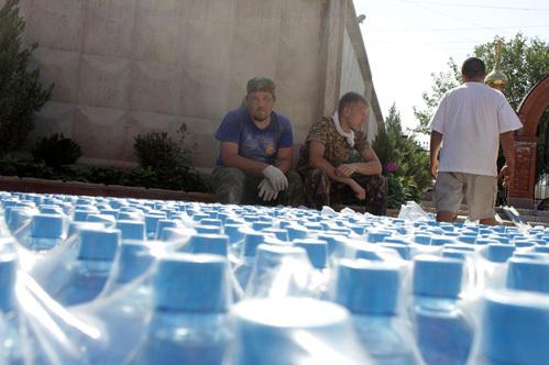 В пунктах гуманитарной помощи населению Кубани...