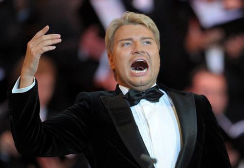 Николай Басков исполняет партию Альберта в опере =Альберт и Жизель= композитора Александра Журбина на сцене Большого зала Московской консерватории