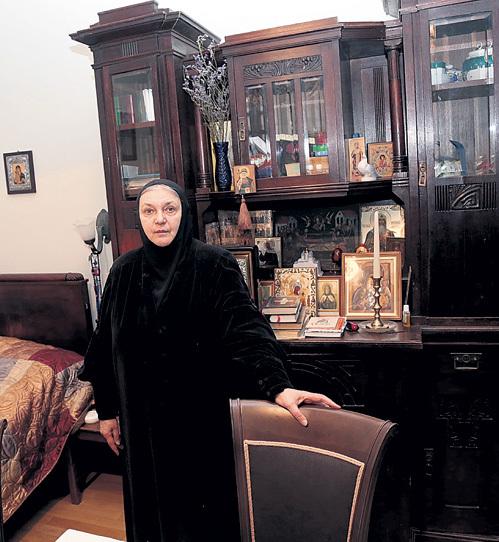 Сейчас матушка живёт в своей скромной московской квартире, но, возможно, вскоре вернётся в монастырь
