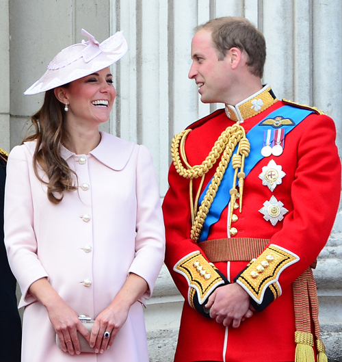 Кейт МИДДЛТОН наконец-то подарила Уильяму долгожданного ребенка.