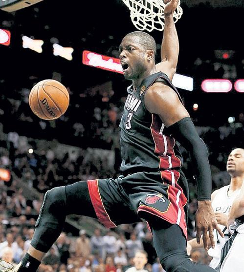 Звезда НБА в игре ужасный, в жизни - добрый