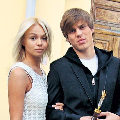 С блондинкой Кристиной КОКОРИН познакомился в Новогорске