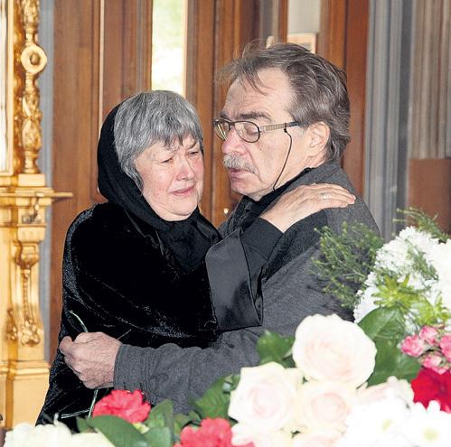 Александр АДАБАШЬЯН со вдовой Натальей