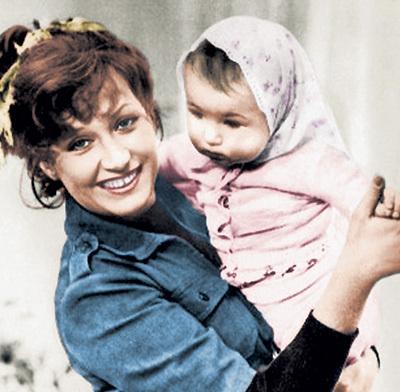 Когда ПУГАЧЁВА родила Кристину, никто и предположить не мог, каким образом в этом семействе через 40 лет снова появятся дети