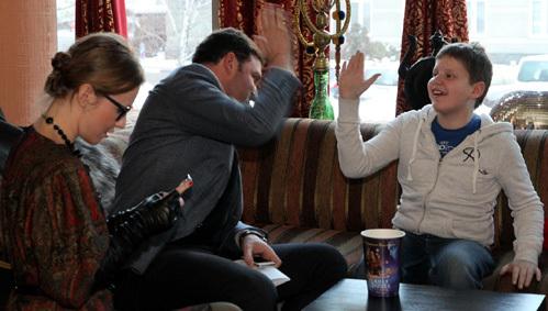 Ксения СОБЧАК, Максим ВИТОРГАН с сыном Даниилом (фото Бориса КУДРЯВОВА)
