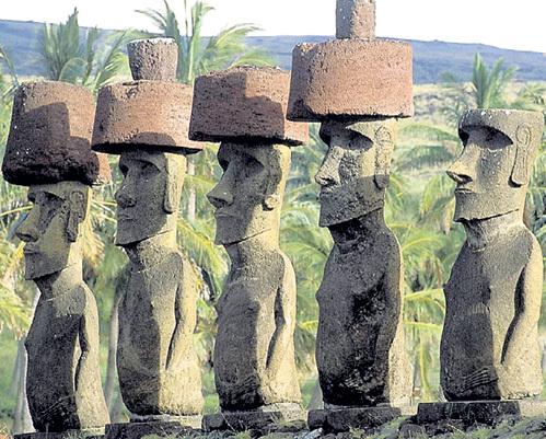 Огромных истуканов острова Пасхи передвигали и устанавливали с помощью звуковых волн, создаваемых ритуальными песнопениями