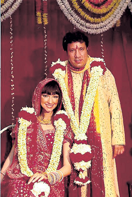 Свадьбу с владельцем цементных заводов Рамом ГОВИНДОМ певица сыграла по индийским обрядам