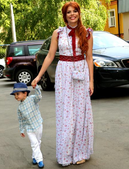 Анастасия СТОЦКАЯ с сыном Сашей