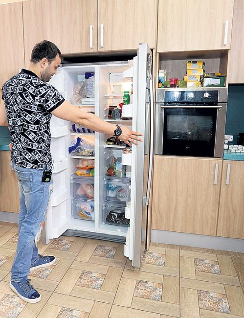 Александр ГОБОЗОВ отметил, что холодильник в доме всегда набит деликатесами