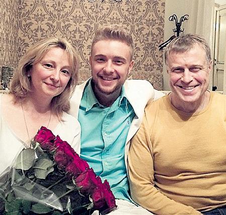 Родители - Марина и Николай БУЛАТКИНЫ - Егора во всём поддерживают
