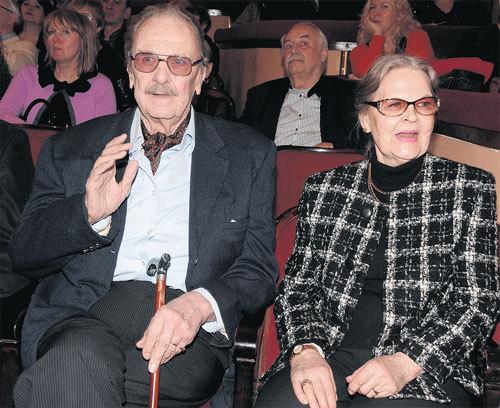 С третьей женой - театроведом Ириной СЕРГЕЕВОЙ актер прожил до конца дней