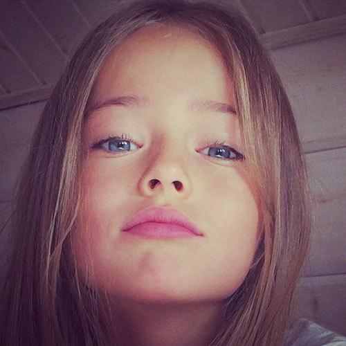 Больше 2 млн. фанатов в Интернете пали жертвой лазурных глаз юной красавицы (Фото: Facebook.com)