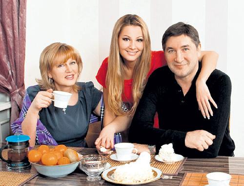 С дочкой и бывшей женой Маргаритой КОЖЕВНИКОВ сумел наладить хорошие отношения