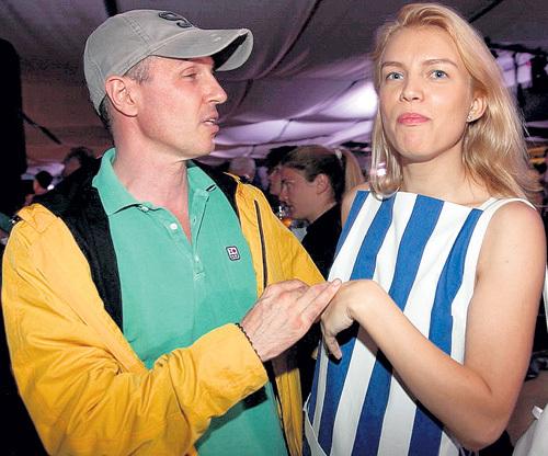 Игорь ВЕРНИК увёл жену - Евгению ХРАПОВИЦКУЮ у Артёма ТКАЧЕНКО, а ведь два года назад эта актриса родила «меченосцу» мальчика