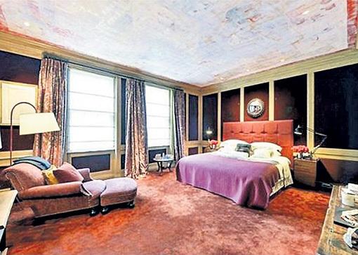 У СТИНГА шестеро детей, но ни один из них не был зачат в этой спальне - дом был приобретен позднее